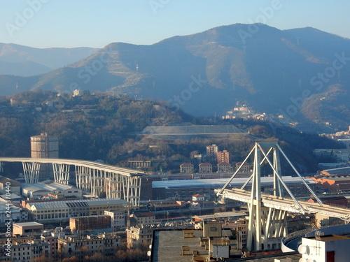 Wall mural Genova - il ponte dopo il crollo