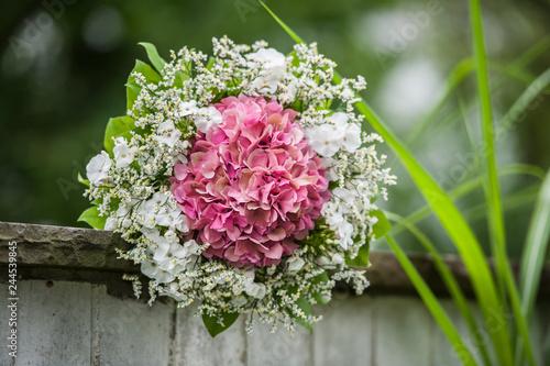 Wall mural Wedding bouquet of flowers