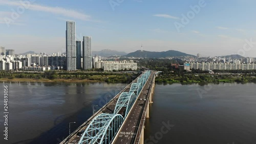 Wall mural Time lapse of Seoul City skyline at Dongjak Bridge and Han river in Seoul, South Korea.
