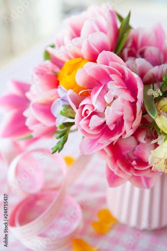 Leinwanddruck Bild Froehliche Blumen im Fruehling