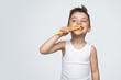 Quadro Adorable kid brushing teeth