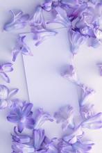 "Постер, картина, фотообои ""Mock-up white Business card on a white background in purple colours hyacinth"""
