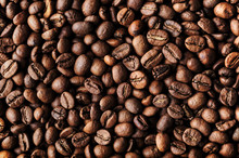 "Постер, картина, фотообои ""Roasted coffee beans, macro closeup"""