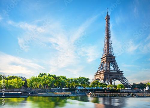 Seine in Paris - 245707051