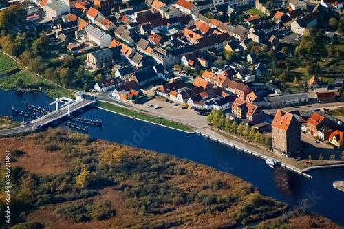 Leinwanddruck Bild Loitz, Peene, Mecklenburg-Vorpommern, Deutschland, Luftaufnahme, 14.10.2018