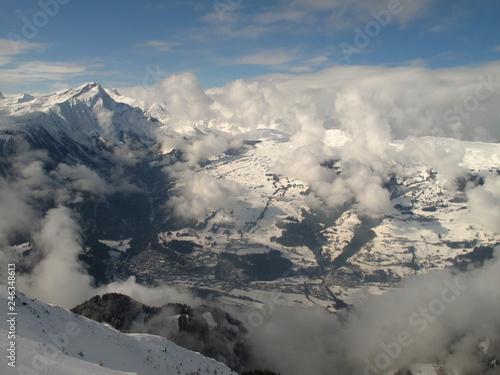 Über den Bergen und Wolken - 246348613