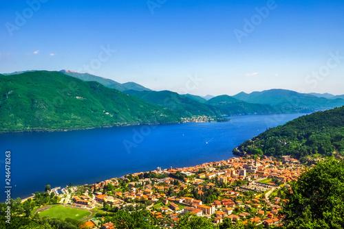 Leinwandbild Motiv Lago Maggiore in der Schweiz