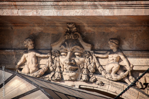 mata magnetyczna Architectural detail from Old Havana building facade