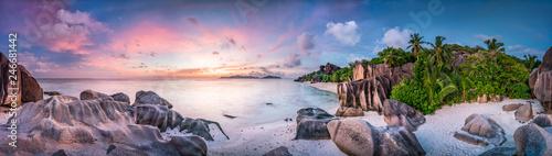 Leinwandbild Motiv Sonnenuntergang am Strand Anse Source d'Argent, Seychellen