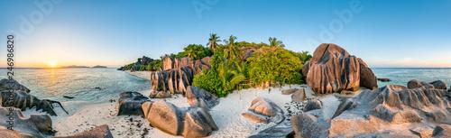 Leinwanddruck Bild Sonnenuntergang am Anse Source d'Argent, La Digue, Seychellen