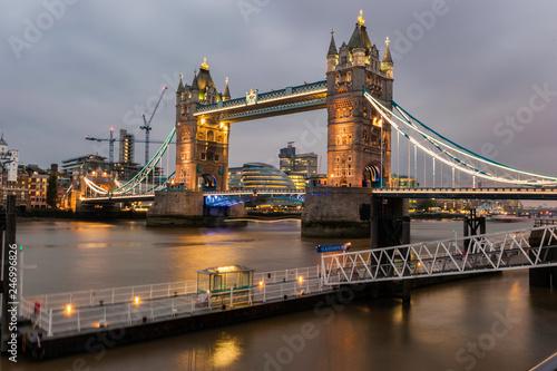 fototapeta na ścianę Tower Bridge in London at Dusk