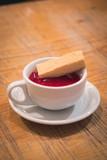 shortbread and raspberry sauce