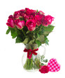 Leinwanddruck Bild - bouquet of blossoming dark red roses in vase