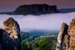 Leinwanddruck Bild - Basteibruecke bei Rathen, Nebel, Blick auf den Lilienstein,  Nationalpark Saechsische Schweiz, Elbsandsteingebirge, Sachsen, Deutschland