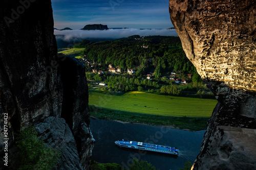 Leinwanddruck Bild Blick von der Bastebrueckei bei Rathen, Nationalpark Saechsische Schweiz, Elbsandsteingebirge, Sachsen, Deutschland