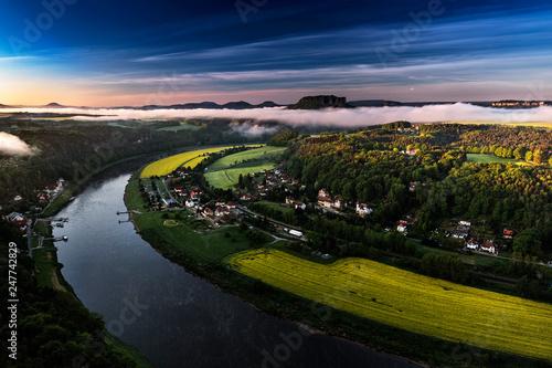 Leinwanddruck Bild Bastei bei Rathen, Blick auf den Lilienstein, Nationalpark Saechsische Schweiz, Elbsandsteingebirge, Sachsen, Deutschland