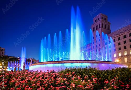 fototapeta na ścianę Plaza de Catalunya fountains