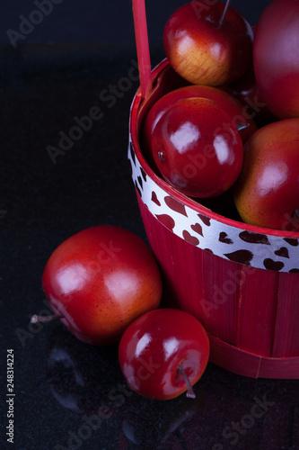 Foto Murales Red apples in a basket