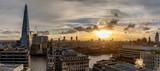 Panorama der Skyline von London, Großbritannien, bei Sonnenuntergang