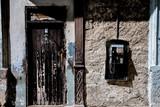 Telefonzelle mit Tür in havanna Kuba