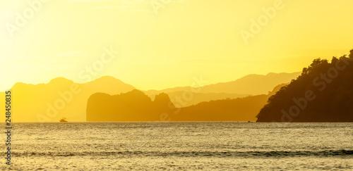 fototapeta na ścianę Golden Hour at the El Nido Bay, Palawan