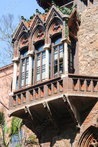 fototapeta na ścianę Beatiful balcony of Casa Golferichs in Barcelona, Spain