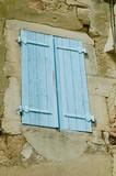 Persiane azzurre in Provenza, Francia - 248871867