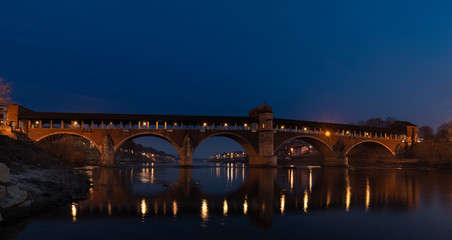 pavia ponte coperto © Pietro