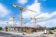 Großbaustelle mit Kränen als Bauprojekt der Zukunft
