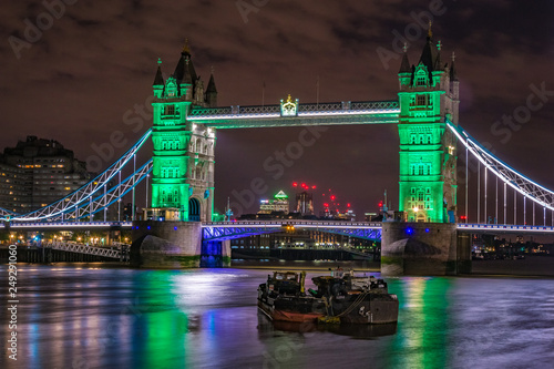 fototapeta na ścianę Cityscape of the Tower Bridge at nigt, London