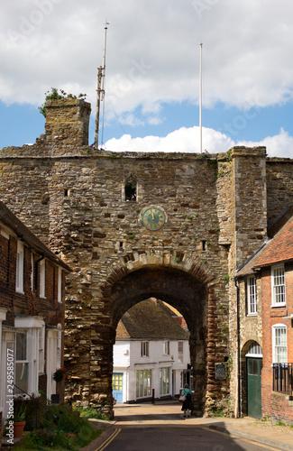 Leinwanddruck Bild town gate - II - Rye - UK