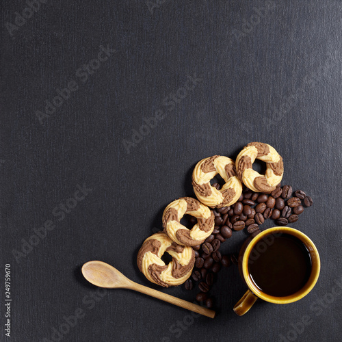 Coffee and shortbread cookies © Sasajo
