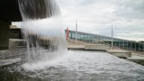 Water flows from the bowl of the fountain - 250051466