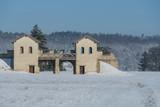 Tor eines Römerkastell im Winter - 250488227