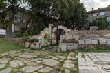 Audytorium antycznego forum w ruinach starożytnego rzymskiego miasta Augusta Traiana w centrum Starej Zagory w Bułgarii