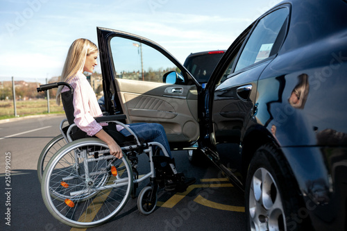 Leinwandbild Motiv Woman with loss of leg function