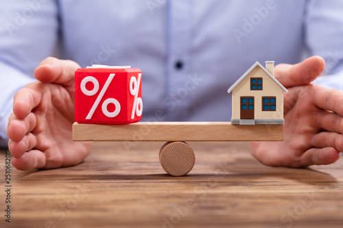 Protecting Balance Between Percent Block And House © Andrey Popov