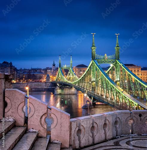 Foto Murales Famous Liberty bridge in Budapest, Hungary