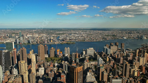 view looking east towards the un building and manhatten, ny - 251477870