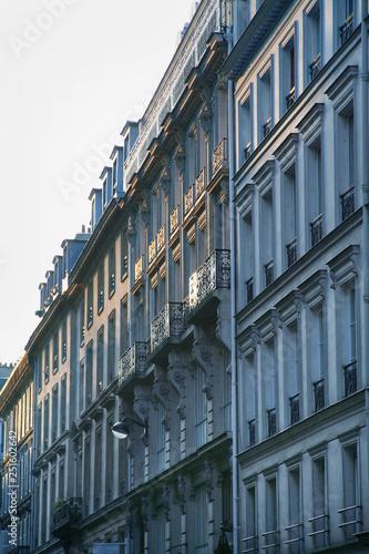 mata magnetyczna Paris residential buildings