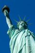 Freiheitsstatue mit blauem Himmel