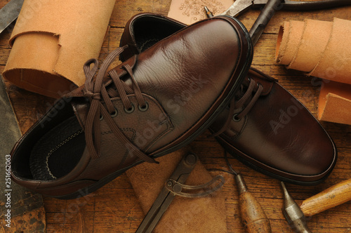 Leinwanddruck Bild Calzatura Footwear Fußbekleidung ft9102_6806 Soulier  Känga Jalkine