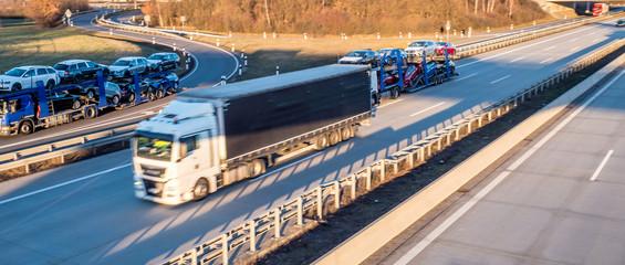 Panorama Logistik auf der Autobahn