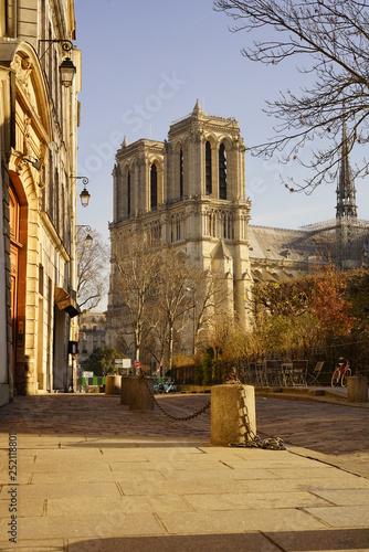 Paris Monument 456