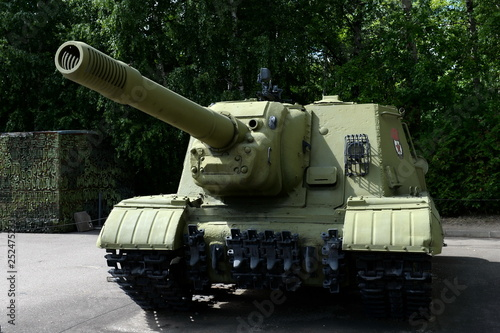 Heavy self-propelled artillery installation ISU-152  in Moscow © b201735