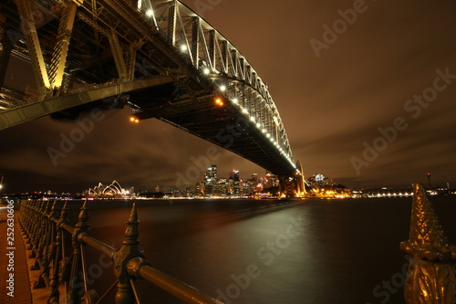 mata magnetyczna Sydney Harbour Bridge By Night