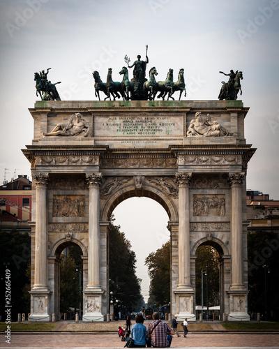 mata magnetyczna Arco della pace