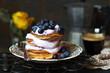 Pancakes mit Blaubeerquark