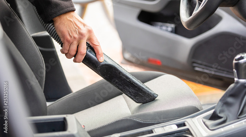 car cleaning with a sucker - 253251286
