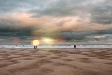 groupe de marcheur sur laplage © Image'in